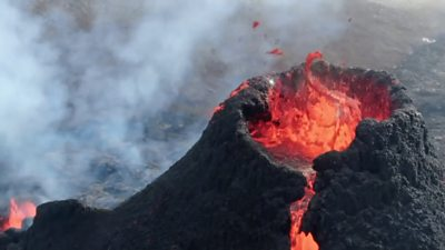 Iceland volcano eruption: Music video and wedding filmed at Fagradalsfjall thumbnail