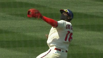 Didi Gregorius takes a catch