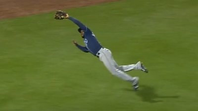 Early catch of the year candidate? - Arozarena makes epic diving catch