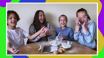 siblings-having-fun.