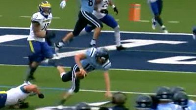 Wow! Watch Incredible touchdown pass in college football game