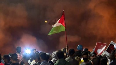 Jerusalem: Third night of violence ahead of planned Jewish nationalist march - bbc