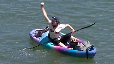 Making a splash! - MLB fan catches home run ball in Kayak