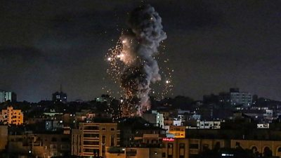 Israeli aircraft carried out dozens more air strikes on Gaza as fighting enters its second week.