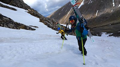 """""""Slow motion"""" avalanche on Ben Nevis"""
