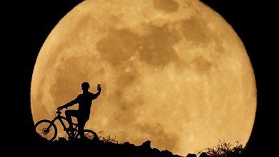 Super 'blood' Moon