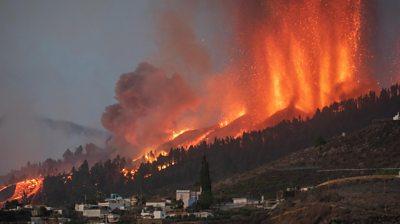Volcano on La Palma erupts, 19 September 2021