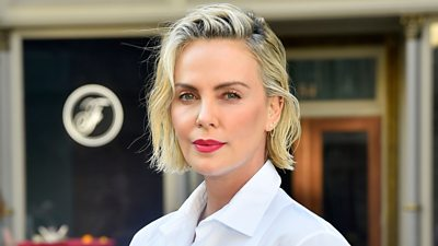 Actress Charlize Theron is calling for the fairer distribution of Covid vaccines.