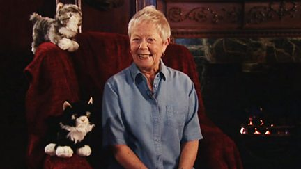 Annette Crosbie - Mrs McTats and Her Houseful of Cats