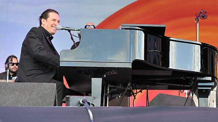 A Blackpool Big Band Boogie: Jools Holland and his Rhythm & Blues Orchestra