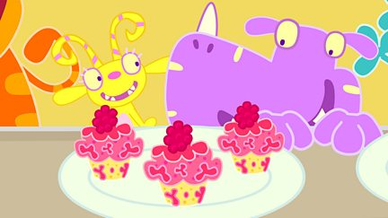 Blushberry Blob Cakes