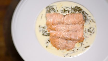 Salmon and sorrel with vermouth