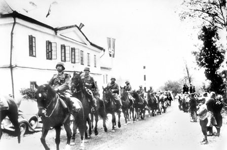 German troops march into Czechoslovakia