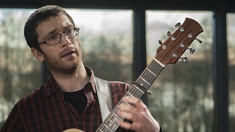 Ewan McLennan performs 'Whistling The Esperanza'