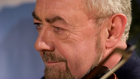 Aly Bain and House Band perform 'Scalloway Lassies and Watle O' It'