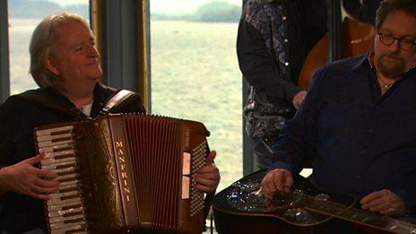 Phil Cunningham performs 'Kimberley's Waltz'