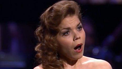 Olena Tokar sings Korngold