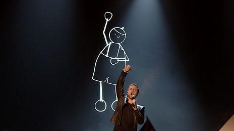 Måns Zelmerlöw performs 'Heroes'
