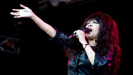 Ronnie Spector - Glastonbury 2016 Highlights