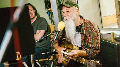 Watch Seasick Steve cover Everybody's Talkin' by Harry Nilsson