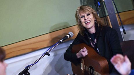 Watch The Pretenders cover Elvis Presley's Can't Help Falling In Love