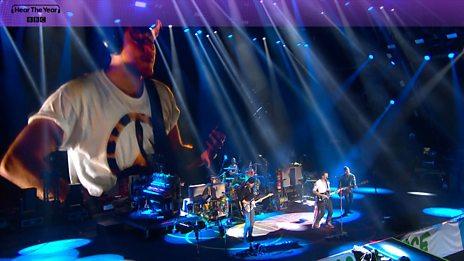 Coldplay - Viola Beach Tribute (Glastonbury 2016)