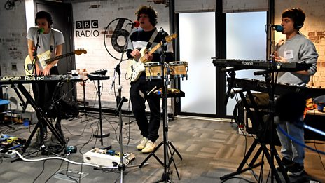 Metronomy Live In Session