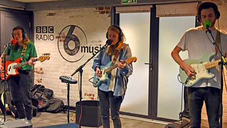 Marika Hackman Live In Session
