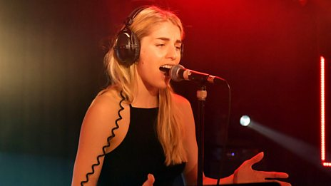 Live Lounge - London Grammar