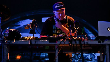 Glastonbury - DJ Shadow