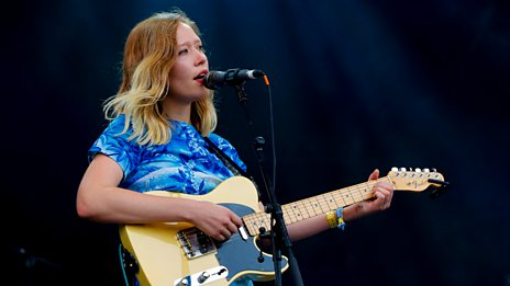 Glastonbury - Julia Jacklin