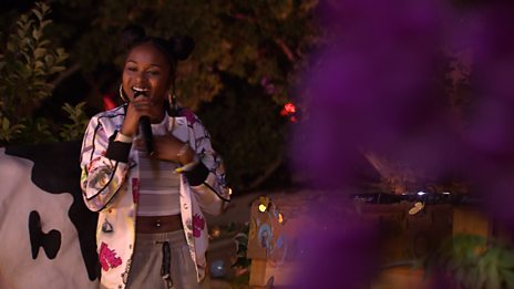 Nadia Rose - Skwod (Glastonbury session)