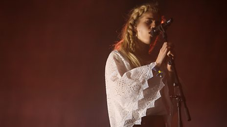 Glastonbury - London Grammar