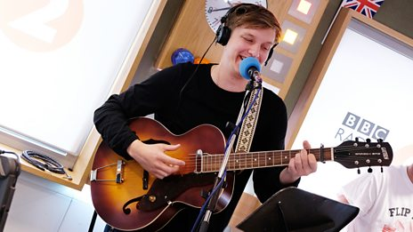 """This is a song I've been doing since I was 14 or 15"" - George Ezra covers Bob Dylan's Don't Think Twice, It's All Right"