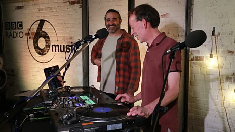Watch DJ Yoda teach Steve Lamacq to scratch on the decks!