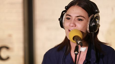 Watch Nadine Shah perform Mother Fighter in the 6 Music Live Room