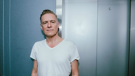 Bryan Adams calls Chris from Paris for an pre-tour update on the Pretty Woman musical...