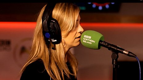 Cara Dillon chats to Gerry and performs 'The Leaving Song'