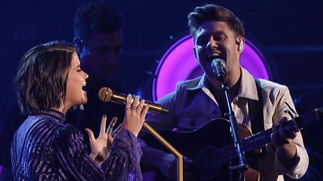 Maren Morris and Niall Horan - I Could Use A Love Song / Seeing Blind (CMA Awards 2017)