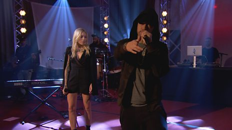 Eminem Performs A Brilliant Live Version of Love The Way You Lie