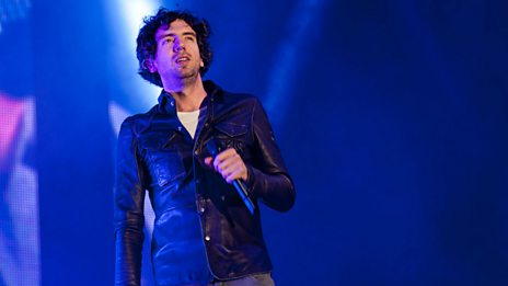 Why has Chris reunited Noel Gallagher and Snow Patrol live on air?