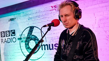Watch Franz Ferdinand in the 6 Music Live Room