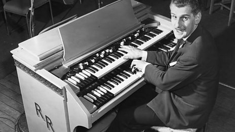 Robin Richmond opens the first edition of The Organist Entertains