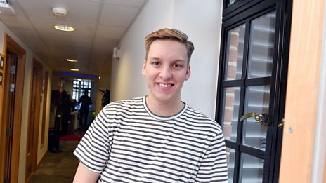 George Ezra performs In The Summertime