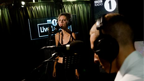 Wolf Alice - Live Lounge
