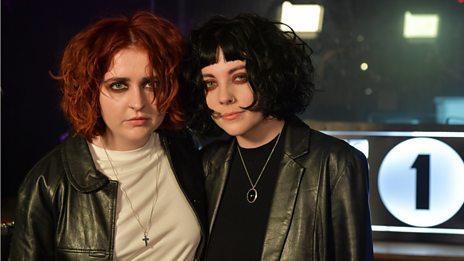 """It reminds me of being 18"" - Pale Waves introduce Kiss, tonight's Hottest Record"