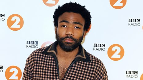 """Hugh Grant to Donald Glover: """"Aren't you the guy in the cool video?"""""""