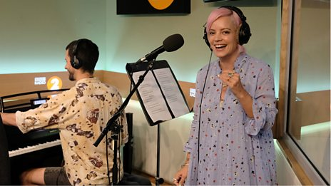 Lily Allen takes us back to 2008 with 'The Fear'