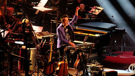 Encore! Jacob Collier and audience sing Blackbird (Prom 7)
