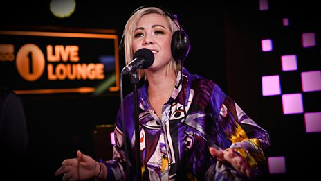 Carly Rae Jepsen - Talk (Khalid cover) in the Radio 1 Live Lounge